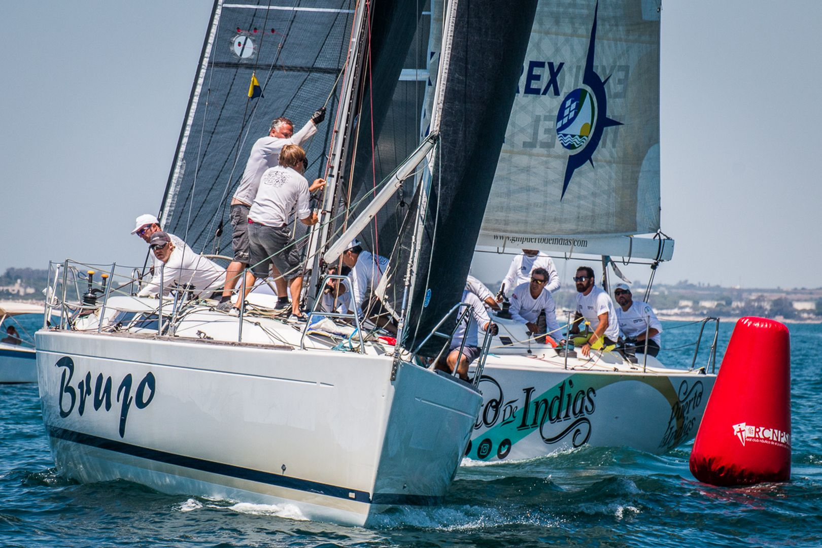 El 'Brujo' Gana La 25ª Regata Juan De La Cosa Y Llega Imbatido A La Final De La 48ª Semana Náutica De Cruceros.