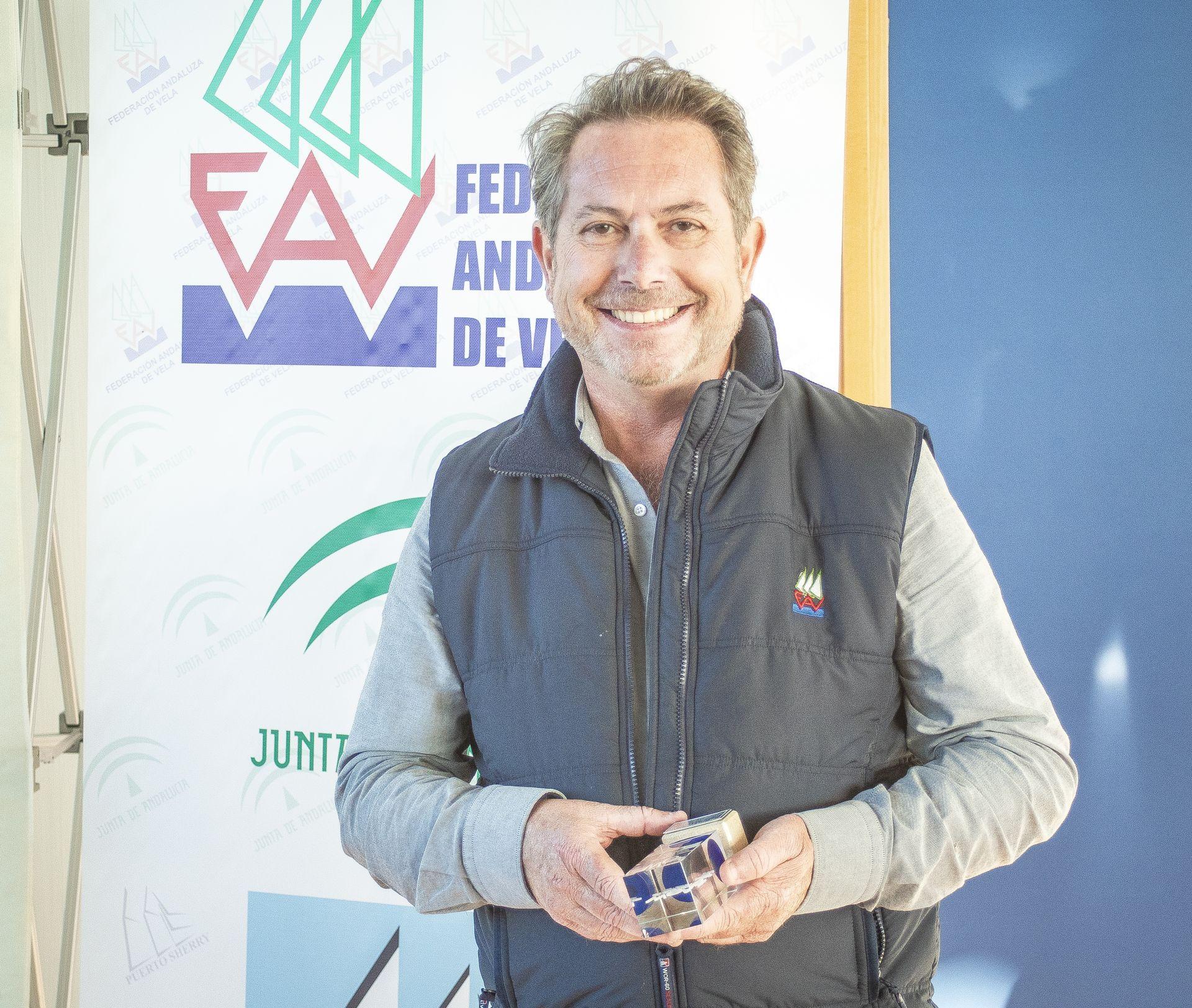 Paco Coro Es Reelegido Presidente Por Mayoría Absoluta.